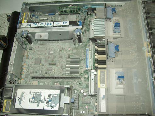 Server Mainboard vor der Reinigung